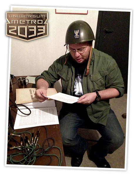 Paweł Majka przygotowuje się doodczytania wyników konkursu.